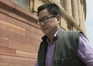 Sports Minister Kiren Rijiju backs Dhoni over gloves controversy