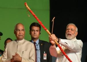 Dussehra 2018: PM Modi set effigy of Ravana to blaze at Ramlila Maidan in Delhi