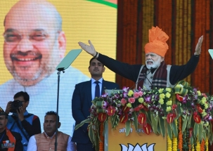 Congress using promises of farm loan waivers to win elections: PM Modi