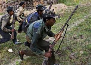 Naxal attacks kill two policemen and Doordarshan cameraperson in Chhattisgarh