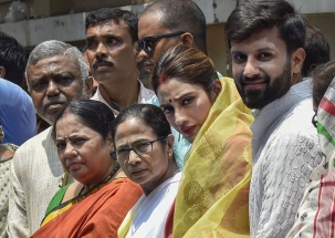 Lakh Taake Ki Baat: Changing faces of political scenario in Bengal