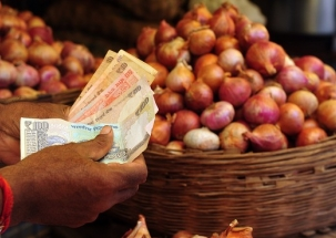 KhabarCut2Cut: Onion prices hit all-time low, crop fetched Rs 1,064 for 750 kg