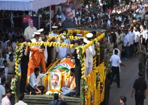 Teary farewell: Manohar Parrikar cremated with state honours