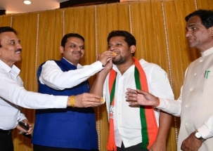 Sujay Patil, son of Maha Cong leader Radhakrishna Patil joins BJP