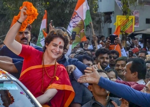 Girl wearing 'Namo' t-shirt harassed at Priyanka Gandhi's rally