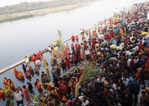 Chhath Puja: Devotees across country offer prayers to 'Lord Surya' for divine blessings