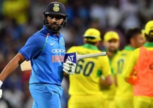 Stadium: Watch Rohit Sharma's attempts to learn Floss Dance