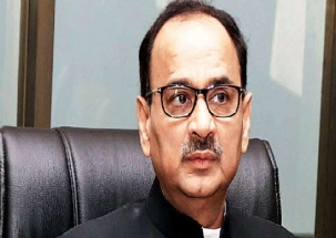 Four men held outside Alok Verma's house