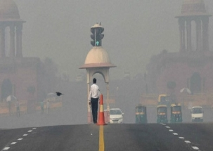 New Delhi: Air quality slips to 'very poor' category