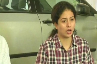 Hasin Jahan addresses media, says Shami would've run away if I hadn't caught hold of his mobile