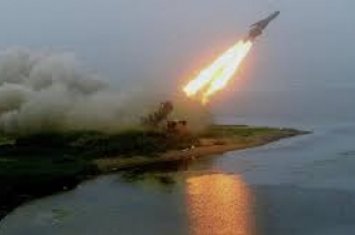 Russia test-fires 'ideal' hypersonic missile