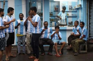 Stadium: Kolkata tea-seller paints house in Argentina's blue-white colours; a die-hard fan of Messi