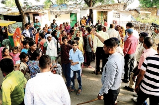 Gujarat: 50,000 migrant workers from UP, Bihar leave after protests over rape