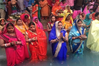 Chhath Puja: Devotees throng ghats to celebrate third day of festival in Bihar