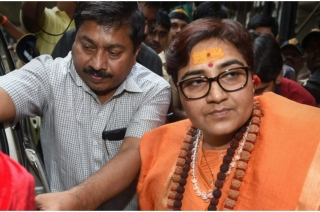 EC refuses to debar Sadhvi Pragya from contesting Lok Sabha elections