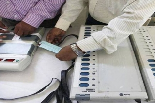 EVM hacking claims rake up political storm ahead of General Elections