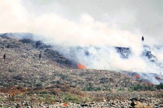 Major fire breaks out at Thane dumping ground, no casualty reported