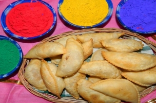 Gujiya, Thandai and Matthi: How Jaipur is preparing for Holi festival