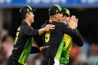 Stadium: Australia win by four runs, lead series by 1-0