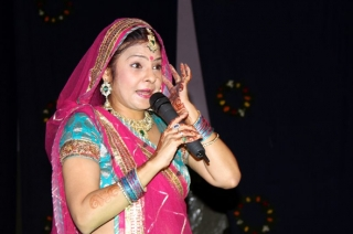 Holi 2019: Singer Malini Awasthi sets stage on fire at Rang Kalash