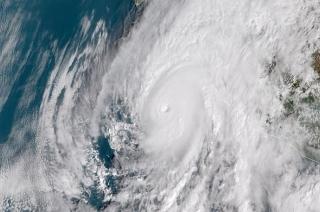 Khabar Cut2Cut: Thousands evacuates as Hurricane Willa approaches in Mexico