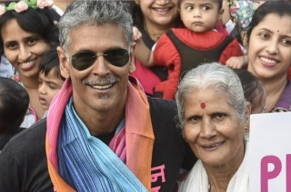 Watch: Milind Soman's 80-year-old mother does push-ups