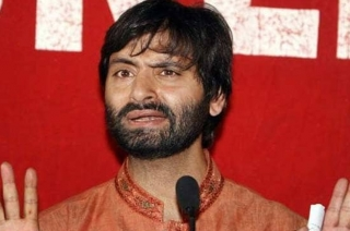 Separatist leader Yasin Malik detained by police in Srinagar
