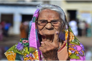 Lok Sabha Polls: Senior citizens show the way