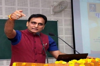 What Rakesh Sinha said on infighting in Congress over dynasty politics