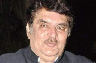 Raza Murad in MP to congratulate Congress