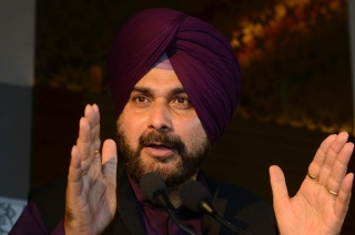 Navjot Sidhu ousted from The Kapil Sharma Show for his Pulwama remarks
