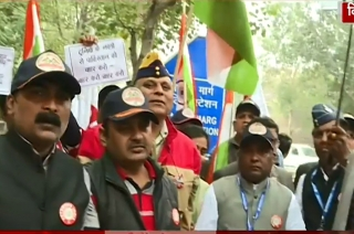 Pulwama attack: Veterans stage protest at Pakistan Embassy in Delhi
