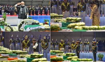 PM Modi, Rahul Gandhi lay wreaths on mortal remains of CRPF jawans