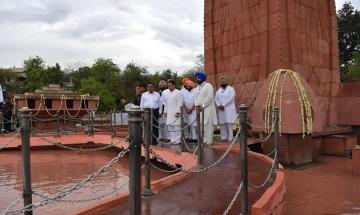100 years of Jallianwala Bagh Massacre: Rahul Gandhi, Amarinder Singh pay tributes