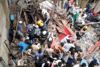 Watch: Child rescued from debris of collapsed building in Mumbai
