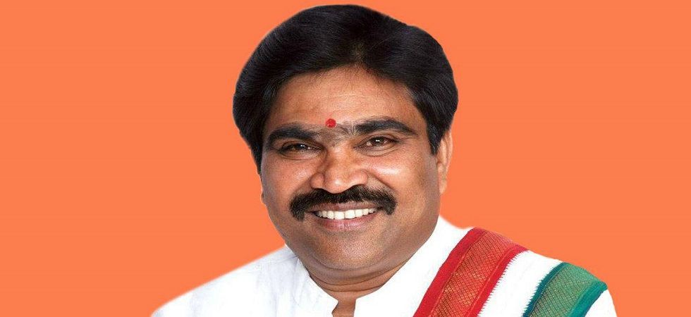 R Shankar, Karnataka Minister and independent MLA, resigns from council of ministers