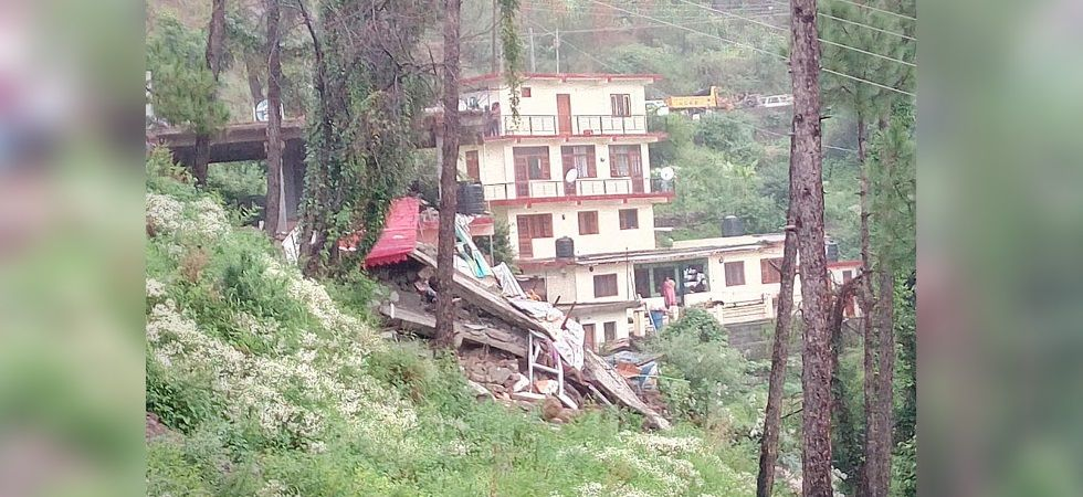 2 dead, Army personnel among 14 feared trapped after 'dhaba' collapses in Solan