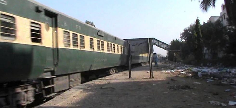 Thar Express from Pakistan carrying 165 passengers arrives in India